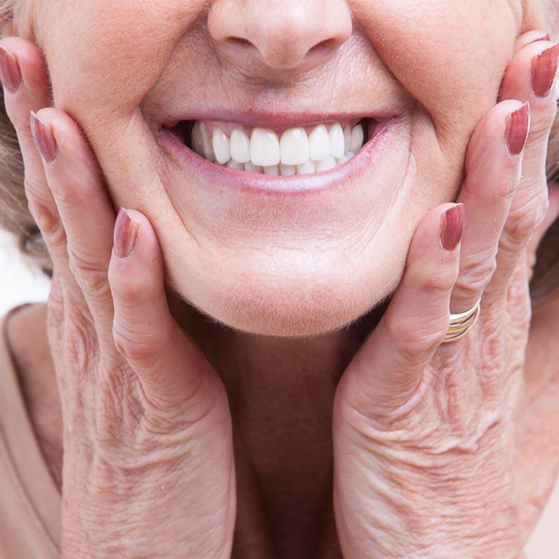 cuidados postoperatorios tras colocación implantes dentales