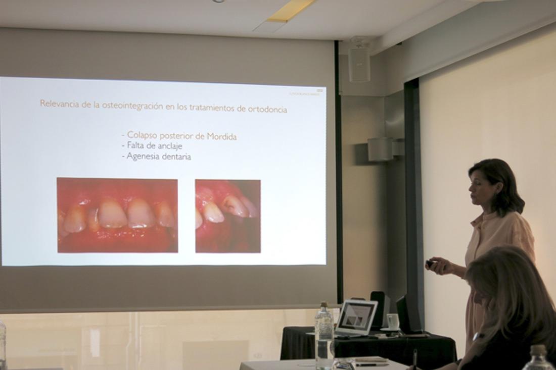 Dra Ramos imparte un curso a odontologos sobre Tratamientos Multidisciplinares