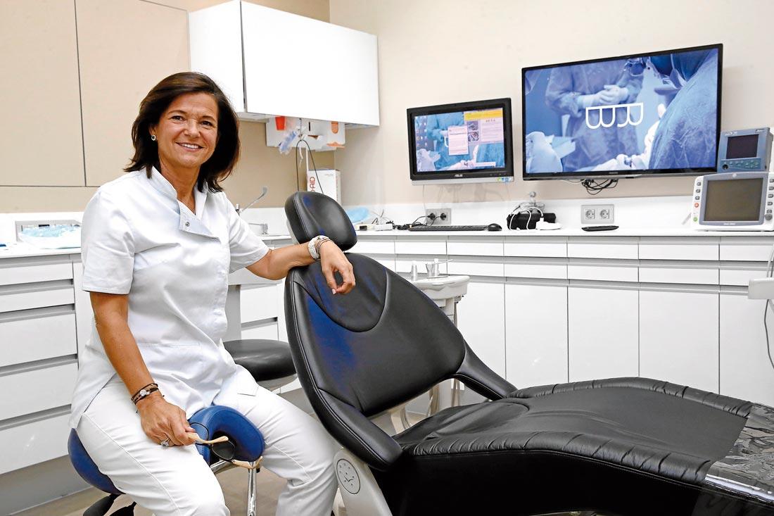 Entrevista a la Dra Isabel Ramos sobre los diferentes tratamientos de odontologia estetica que ofrece la Clinica Blanco Ramos