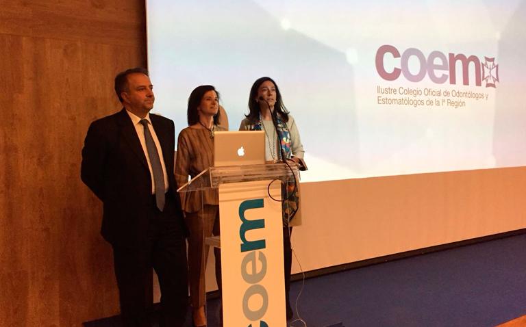 Dr Juan Blanco y Dra Isabel Ramos dan curso formación en el colegio odontólogos de madrid