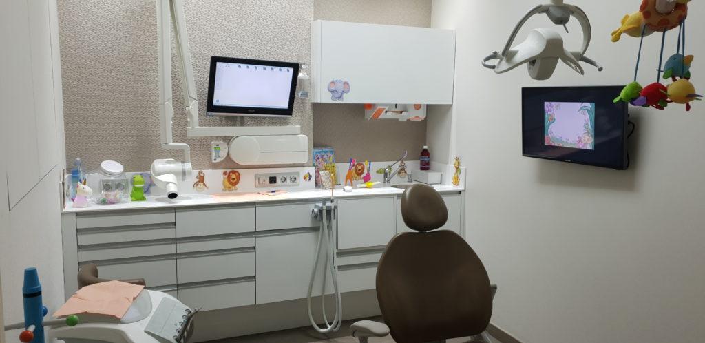 Gabinete infantil clínica dental Blanco Ramos
